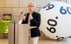 Carina Gödecke bei der Ausstellungseröffnung