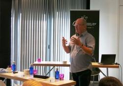 Vortrag durch Robert Hess