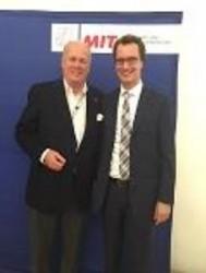 V.l.n.r.: Automatenunternehmer u. MIT-Vorstandsmitglied Klaus-Dieter Leßmann u. MIT-Landesvorsitzenden Hendrick Wüst (MdL)