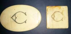 Jetons aus Walfischknochen (Rückseite)
