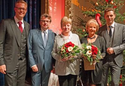 Die Geschäftsführer verabschiedeten Gisela Winterberg und Gertrud Watzlik in den Ruhestand.