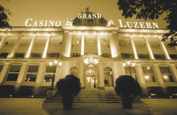 Das Grand Casino Luzern bietet vielfältige Unterhaltung und ausgezeichnete Gastronomie unter einem Dach.