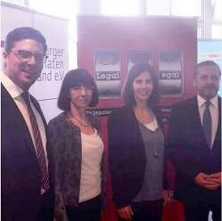 Von links nach rechts: Christian Quandt (DAW), Sabine Glawe (HAV), Katja Suding (FDP) und Gundolf Aubke (HAV)