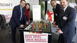 Von rechts nach links: Olaf Lies (Wirtschaftsminister), Kerstin Lühmann (MdB), Heinz Basse (AVN) und Norman Ilsemann (DAW).