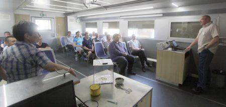 Rund 400 MitarbeiterInnen der Gauselmann Gruppe erfuhren im Schulungsmobil der BG ETEM alles Wichtige zum professionellen Arbeitsschutz.
