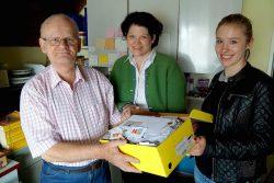 Peter Wiechert freute sich über die mehr als 5.500 Briefmarken der SG Coesfeld zentral GmbH.