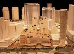 Ein frühes Modell des CityCenter Komplexes. Hier noch nicht zu sehen sind die Veer Towers, diese entstehen links vorne anstelle des runden Eckgebäudes. (Foto: Kyle LV / CC BY-SA 3.0)