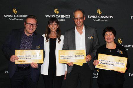 Von links: Marco Fontana, FC Schaffhausen AG, Jlona Vlach, Direktorin Swiss Casinos Schaffhausen, Thomas Gründler, Sauter AG, Andrea Fontana, FC Schaffhausen AG