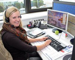 Kompetent und stark in der Kundenberatung: Viktoria Stark begann vor drei Jahren im Kundencenter des adp Merkur Service. Im Rahmen einer Kundenbefragung wurde sie erst kürzlich mit Bestnoten für ihre Beratungsqualität und fachliche Kompetenz ausgezeichnet.
