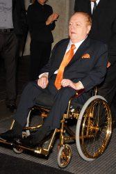 Larry Flynt in seinem berühmten, vergoldeten 80.000 Dollar Rollstuhl. (2009) (Foto: © Glenn Francis, www.PacificProDigital.com / CC BY-SA 3.0)