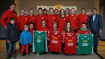 Trikotübergabe an die Fußballerinnen der 1. und 2. Mannschaft der SG Coesfeld 06.