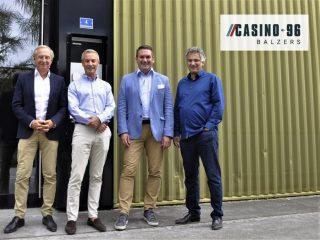 Showtime in Balzers (v.r.): CAI COO Helmut Wede, Verwaltungsratspräsident Dr. Martin Meyer, CAI CEO Christoph Zurucker-Burda und Direktor Christian Aumüller.