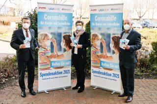 Gaben den Startschuss für die neue Spendenaktion: (von links) Lotto-Geschäftsführer Jürgen Häfner, Anke Marzi, die Vorsitzende der LIGA, sowie Magnus Schneider, Vorsitzender der LOTTO-Stiftung.