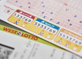 Neuer Spiel 77-Millionär aus dem Raum Duisburg bei der Ziehung am 14. April: Als inzwischen siebter WestLotto-Millionär dieses Jahres erhält der Gewinner die exakte Summe von 2.577.777 Euro. Herzlichen Glückwunsch! (Foto: Schlag und Roy GmbH)