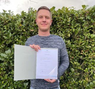 Stolzer Preisträger: Marvin Schulte erhielt den von der Gauselmann Gruppe gestifteten Study-up-Award.