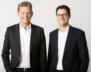 Axel Holthaus und Sven Osthoff (von links), die beiden Geschäftsführer von Toto-Lotto Niedersachsen, ab 2022 federführender Blockpartner im Deutschen Lotto- und Totoblock.