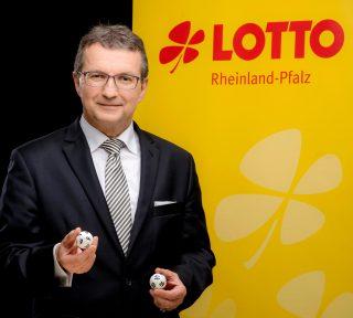 Lotto-Geschäftsführer Jürgen Häfner zieht eine zufriedene Bilanz für das erste Halbjahr 2021.