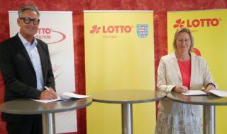 Jochen Staschewski, Geschäftsführer LOTTO Thüringen und Friederike Sturm, Präsidentin von LOTTO Bayern. (Foto: LOTTO Bayern/Keim)