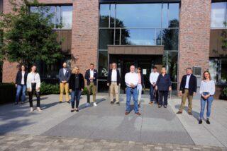 Die Geschäftsführer sowie Kolleginnen und Kollegen verabschiedeten Robert Hess  in den Ruhestand.