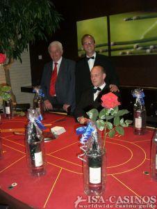 Baccara Tisch mit Präsente