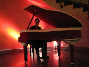 Premiere in der Spielbank Potsdam <br>mit Mister Piano am Weihnachtsflügel