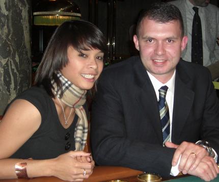 Die Siegerin Jasmin Rölz (li) und Timothy Moncmann.