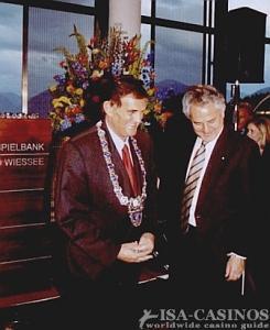 Der bayerischen Finanzminister <br>Kurt Falthauser <br> und der 1 Bürgermeister <br>Herbert Fischhaber
