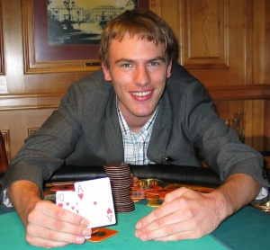 Andreas May mit der Hand des Abends