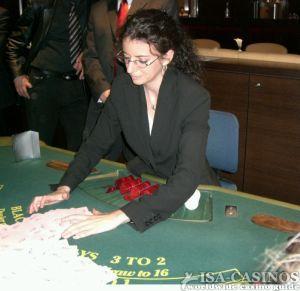 Die nette Dealerin, <br> die Killermaschine des Turniers