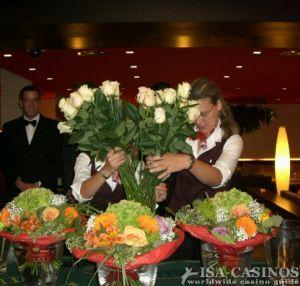 Wer bekommt nun all diese Rosen?