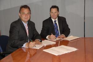 Jens Halle, Geschäftsführer AGI, <br>Lawrence Shepherd, Präsident und Geschäftsführer<br> von Independent Gaming Pty Ltd