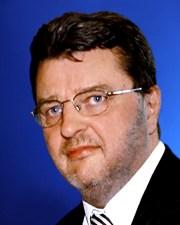 Professor Johann F. Graf<br>56 Jahre, geboren in Wien,<br>3 Kinder