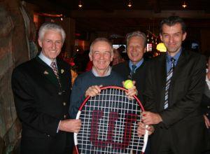 V.l.n.r. Friedrich Patterer, Peter Pokorny, Ludwig Hofer,<br>Casinodirektor Mag. Ernst Hubmann