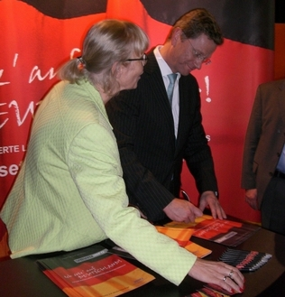 Dr. Guido Westerwelle, Bundesvorsitzender der FDP,<br>Ingrid Sebald, Presseverantwortliche VEWU.