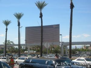 Blick auf das Casinogebäude <br>von Steve Wynn