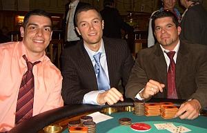 3 strahlende Gewinner Adam Fratichelli (1.) &<br>Michael Rasmussen (2.) & Marco Dicker (3.)