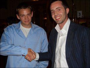 Die beiden Bestplatzierten beim Shake-Hands