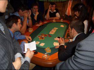 Höchste Konzentration beim Poker-Turnier