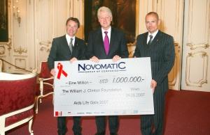 Dr. Franz Wohlfahrt, EX-US-Präsident Bill Clinton, <br>Gery Keszler (v.l.n.r.)