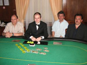 V.l.n.r. Anton Jakob (3.),  Dealer Gregor Sojka, Bernard<br />Kriener, Alexander Just