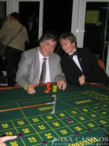 Chefredakteur der  ISA CASINOS, <br>Reinhold Schmitt<br> Spielen für einen guten Zweck