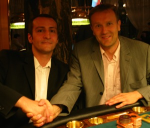 Der zweitplatzierte Marco Morresi gratuliert <br>dem Sieger Heiko Beilhardt