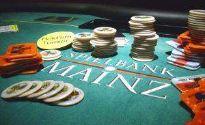 Leider wollte keiner der Finalisten auf das Bild, so dass<br />hier mal das Arbeitsmaterial der Pokerfaces zur Geltung<br />kommt.