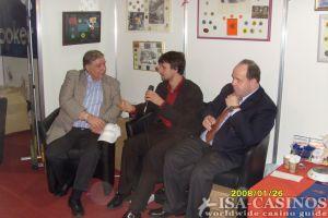 Fernseh-Interview mit<br>Reinhold Schmitt, ISA-Casinos und<br>Moderator Michael sowie<br>Henrik Novakowski
