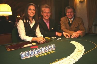 Poker Dealerin Ramona Philippitsch, FC Wacker Kicker Andreas Schrott und<br />Seefeld Tourismus Direktor Markus Tschoner