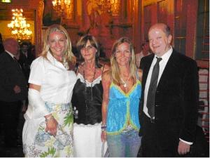 Bildunterschrift von links Valentina Nayar,<br> Begleitung von Frank Meier, <br>Jessica Stockmann-Stich, Frank Meier